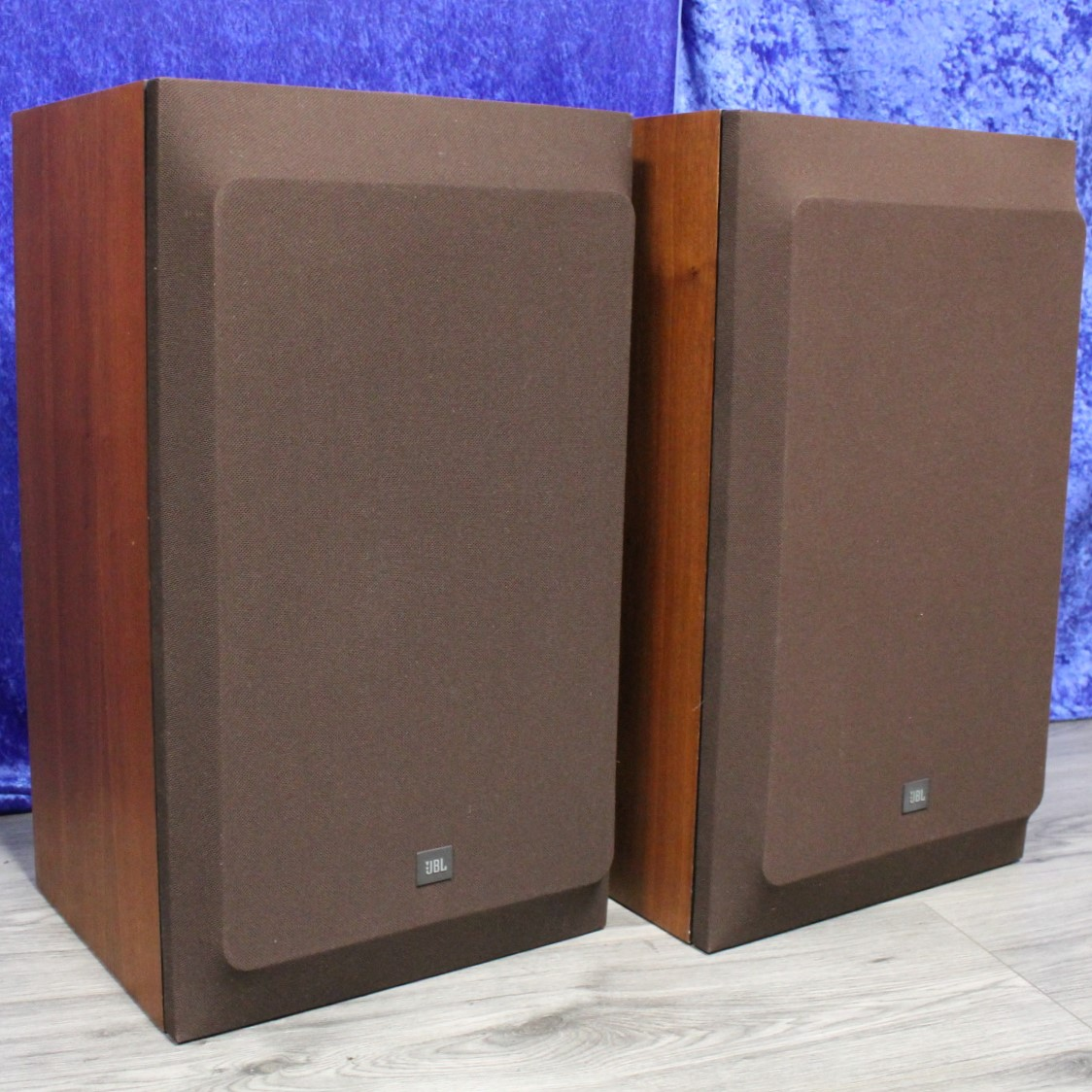 JBL L112 mit Frontbespannung